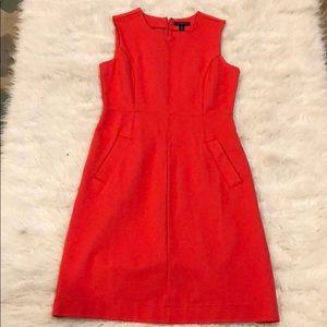Gorgeous sleeveless form fitting dress